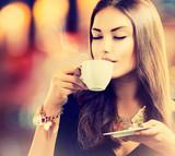 Fototapety Coffee. Beautiful Girl Drinking Tea or Coffee