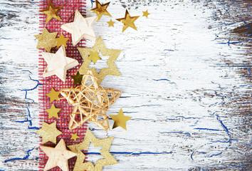 Weihnachtskarte mit Juteband und Sternen