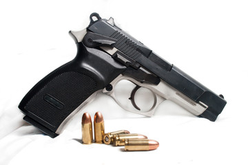 9mm Pistol and Bullets