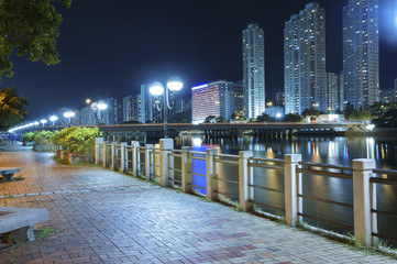 Promenade in Hong Kong at night