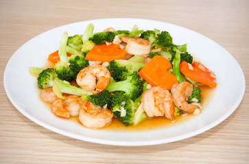 Shrimp stir-fried broccoli with carrot, Thai food