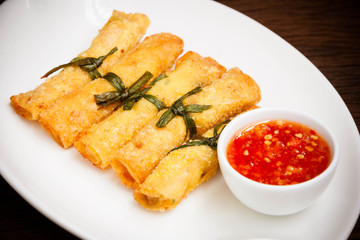 Fried wonton with sauce