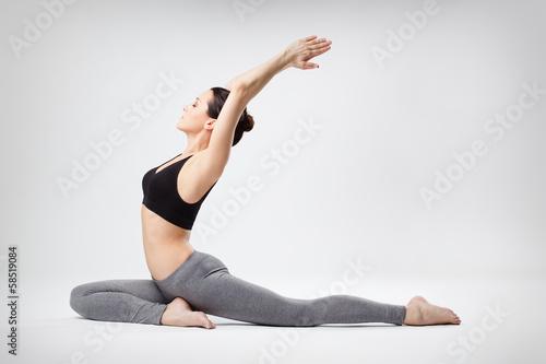 Tuinposter Gymnastiek the yoga woman