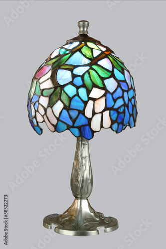Small tiffany lamp + base of polished pewter