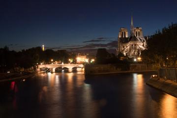 Parigi di notte