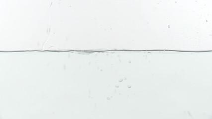 水面に小銭が落下