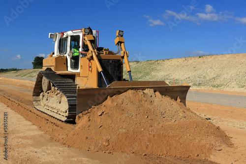 bulldozer contrôlé par gps en action - 58551281