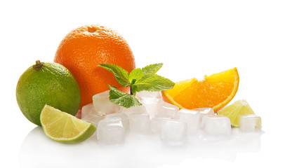 Citrus and cubes of ice