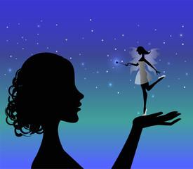 silhouette di ragazza che tiene una fatina in mano