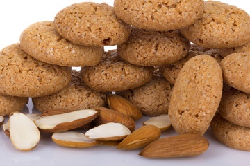almond cookies with almonds