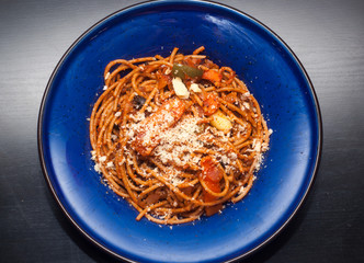 vegetarian  garlic onion carrot capsicum wholemeal spaghetti wit
