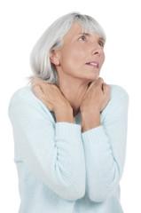 Ältere Frau mit Nackenschmerzen - mature woman neck pain