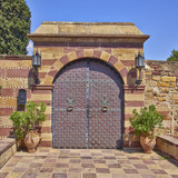 vintage estate glamorus gate