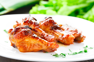 Chicken wings with honey sauce
