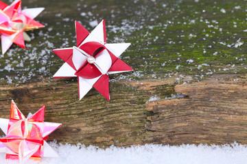 Weihnachtskarte, Fröbelsterne auf Holz
