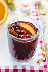 Hot red wine with cranberries