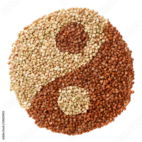 Green and fried buckwheat forming a yin yang symbol