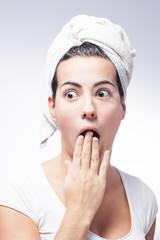 mujer con toalla
