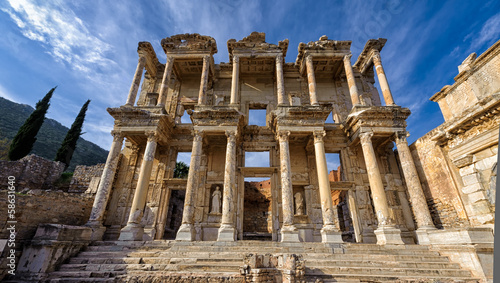 Fotobehang Rudnes Library of Celsus