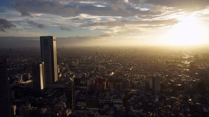 幻想的な東京サンセット(新宿から西の方角の太陽をめがけて撮影) インターバル撮影
