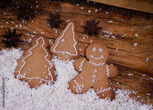 Gingerbread man, winter setting