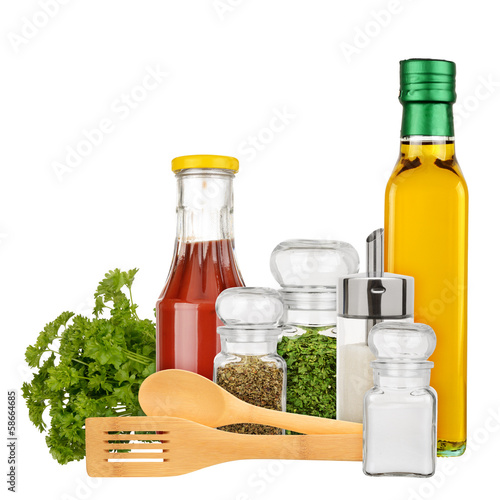 Set of seasoning and condiments