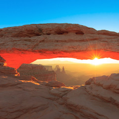Mesa Arch Cnyonlands National Park
