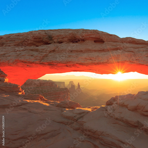 Mesa Arch Cnyonlands National Park