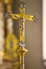Kruzifix Gold