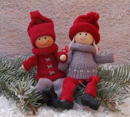 Winterdekoration - Puppenkinder im Schnee