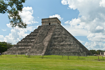 The Kukulkan pyramid in Chichen Itza archeological park, Mexico