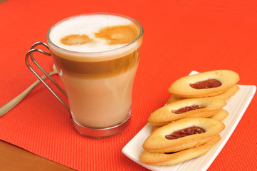 latte macchiato and strawberry cookies
