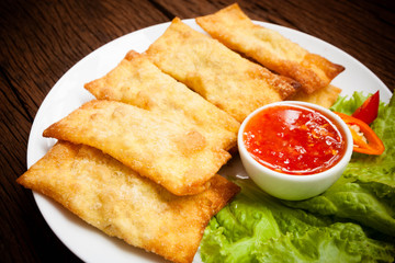 Fried wonton with sauce