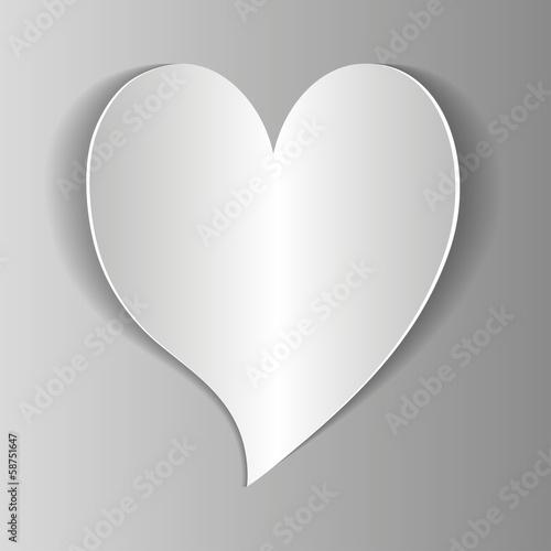 белое сердце на сером фоне