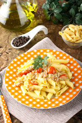 Pasta with crab meat and tomatoes