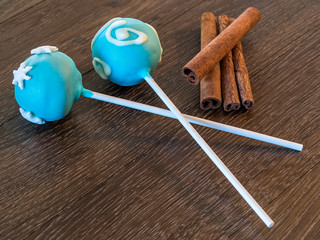 Cake pops and Cinnamon