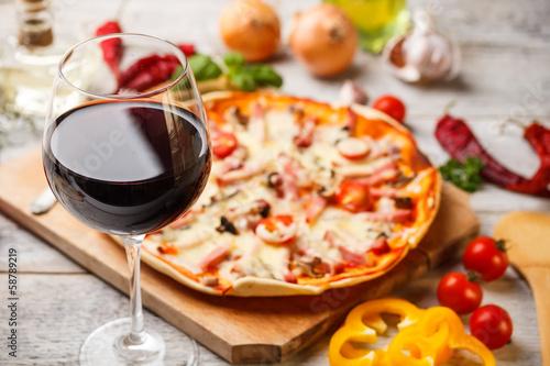 Leinwandbild Motiv Glass of red wine