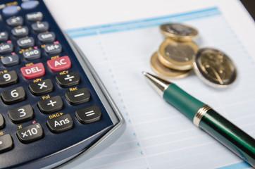 dinero y calculadora 2