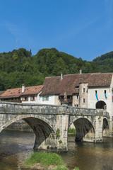 Saint Ursanne, Brücke über den Doubs, Jura, Schweiz
