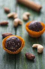 Raw cocoa candies