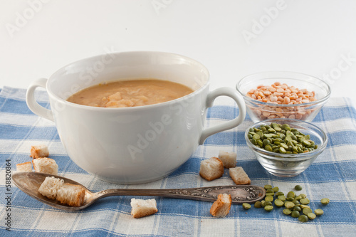 pea cream soup in a cup