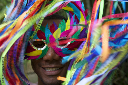 Papiers peints Carnaval Colorful Rio Carnival Smiling Brazilian Man in Mask