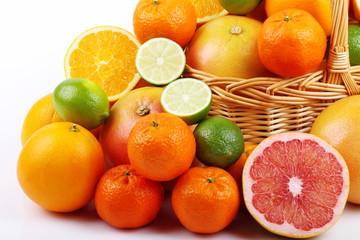 Lime,mandarini,pompelmo rosa e arance