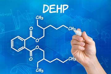 Hand zeichnet chemische Strukturformel von DEHP