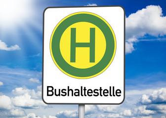 Schild mit Bushaltestelle