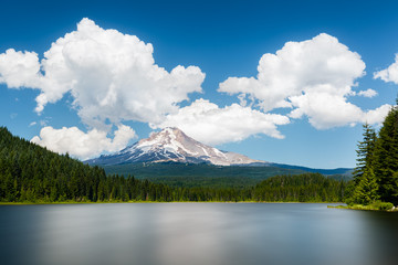 Mont Hood vu depuis Trillium lake (Oregon, Etats-Unis)