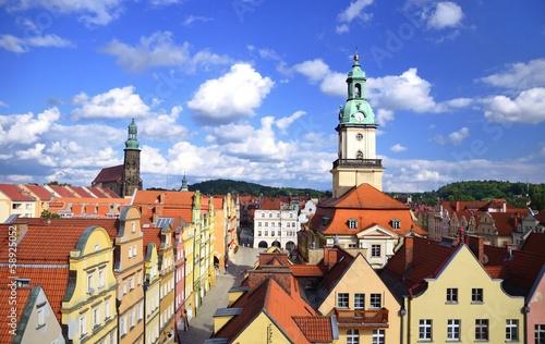 Widok na stare miasto w Jeleniej Górze - 58925052