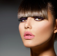 Fringe. Fashion Model Girl With moda Peinado y maquillaje