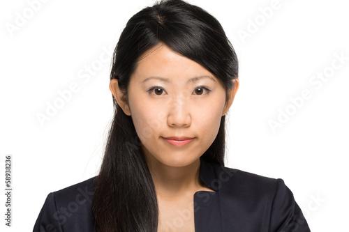 asiatiche Geschäftsfrau vor weißem Hintergrund