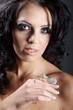 Hübsche junge Frau mit tollem Make Up